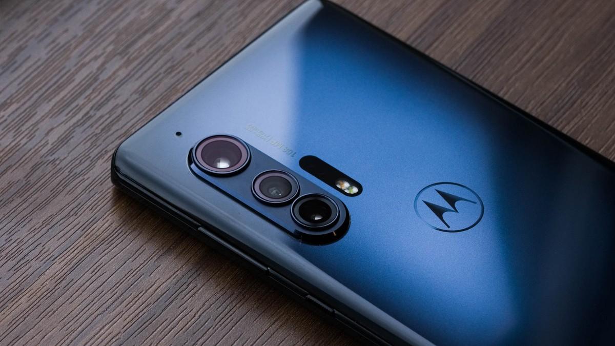Motorola Edge, LG V60 and OnePlus 8 gain YouTube Signature certification